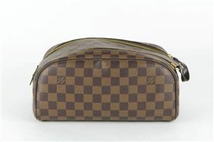 cea24ad2 Louis Vuiton Damier Ebene Leather King Size Toiletry Bag Very Good ...